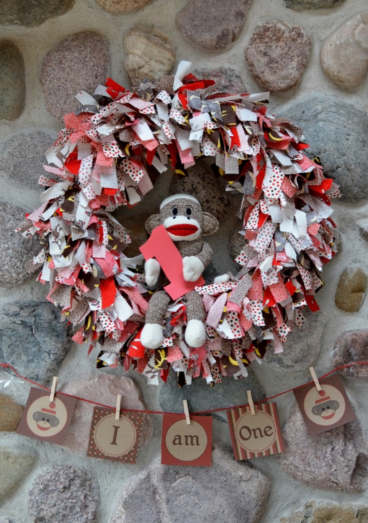 Grant's 1st Birthday Party: Sock Monkey 1st Birthday Wreath and DIY Printable Sign