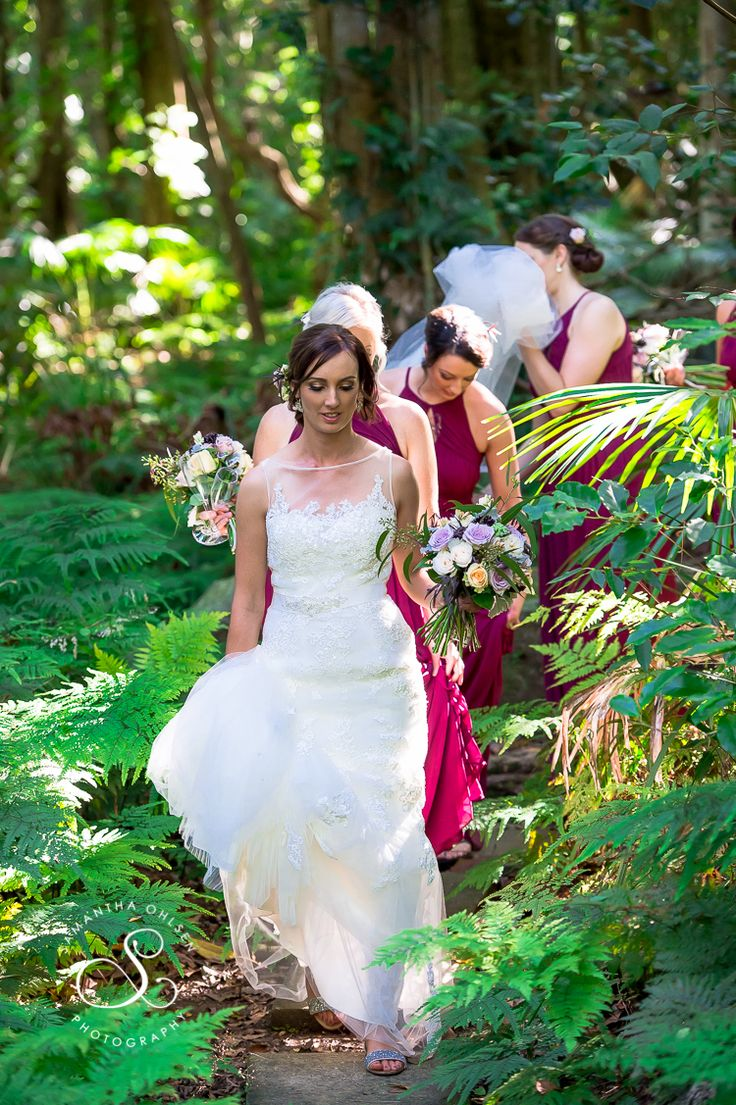 Beatiful Rainforest Wedding at Mount Keira and what an amazing love story.