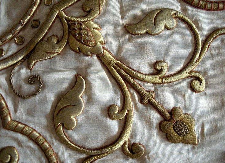 Особенности работы с блестящими тканями и нитями. 50 узоров для вышивки - Ярмарка Мастеров - ручная работа,…