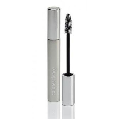Our mascara enhances the appearance of length and density, while a blend of peptides nourishes, conditions and prevents breakage.
