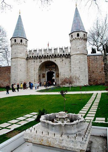 Topkapı sarayı 1. avlu giriş kapısı - Gate of Salutation, Topkapi Palace ,Istanbul,Turkey