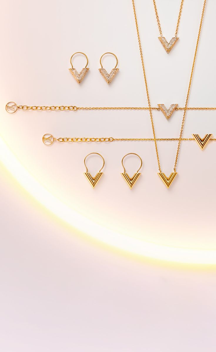 Louis Vuitton's V jewelry collection adds just the right amount of sparkle to your holidays. Mixtures of rose, white, and yellow gold to compliment anyone in your life.