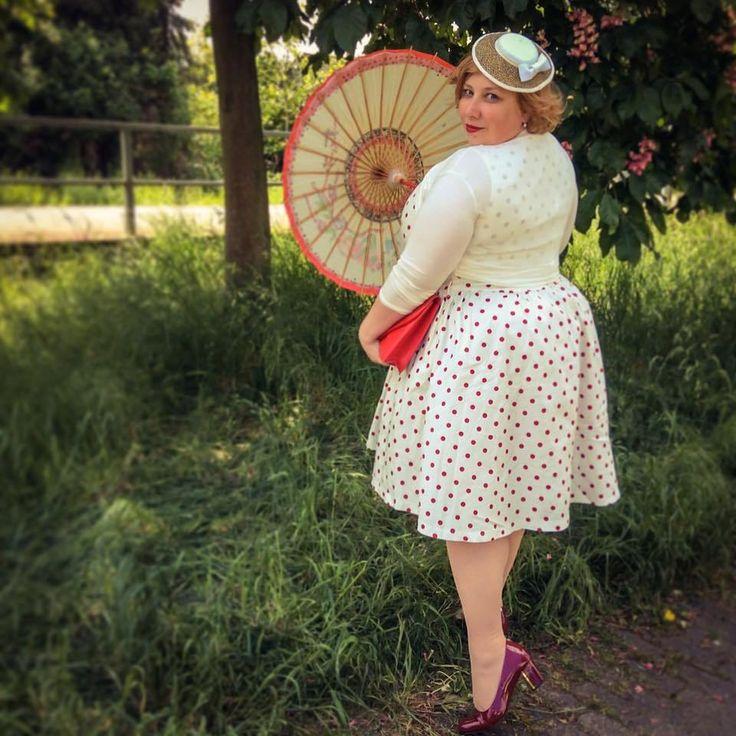 misskittenheel vintage curvy plussize white dots pinup rockabilly 1950s lindybop