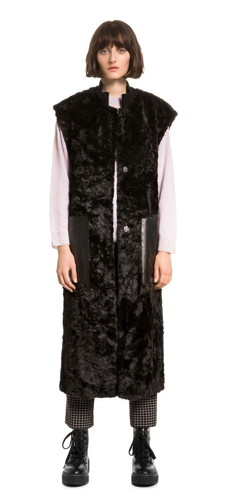 Black fur waistcoat | BIMBA Y LOLA ®
