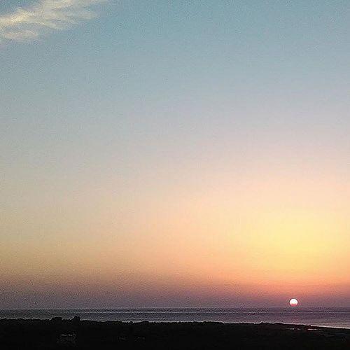 #dawn #sunrise #sun #sky #sea #libyansea #horizon #colours #triptoschool #no_filter #nofilter #nature #natural #crete #greece #november #morning #photograph #photoshoot #IaTriDis | by IaTriDis