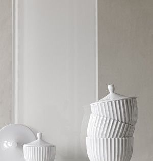 The lovely bonbonniere from Lyngby Porcelain is featured on K-BLOK