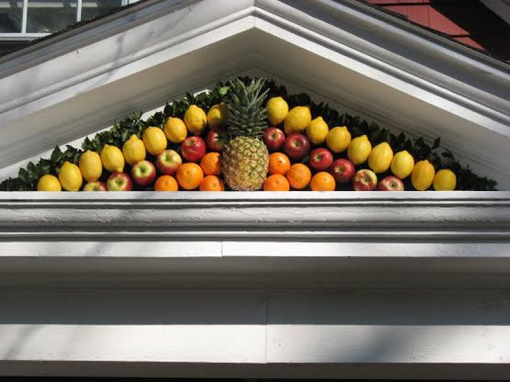 Holiday Doors: The Story Of A Fruit Fan On South Street