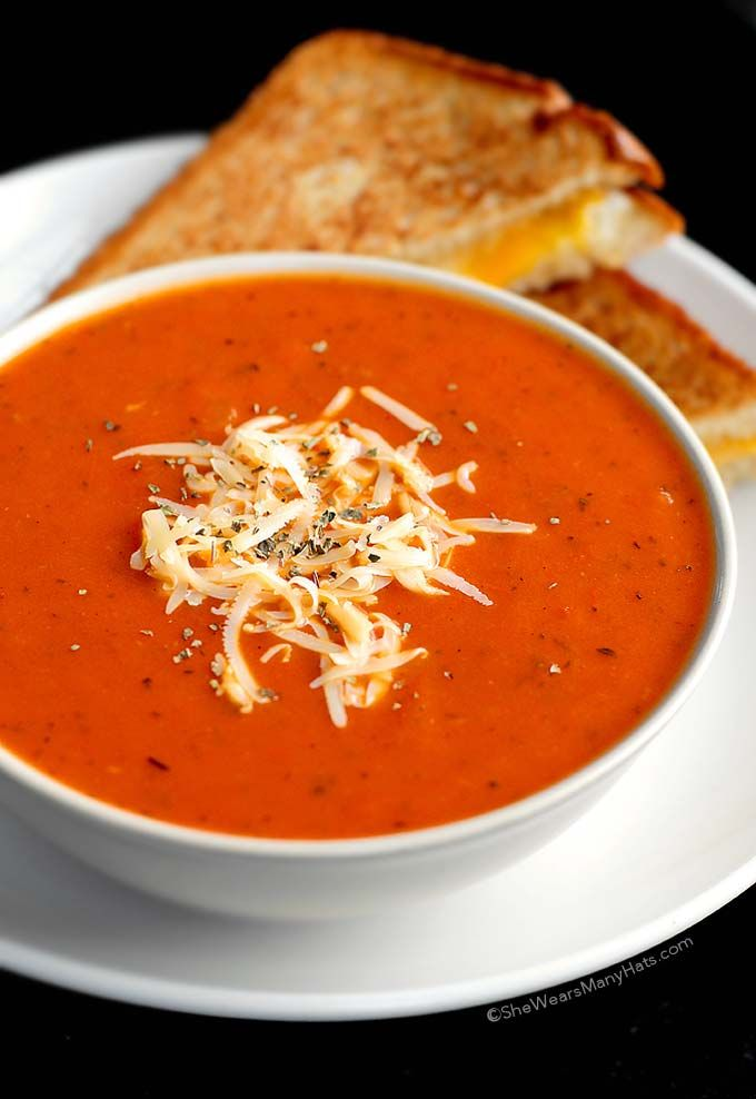 This quick and easy Tomato Soup Recipe seasoned with basil and thyme is the perfect comfort food for any day of the week. | shewearsmanyhats.com
