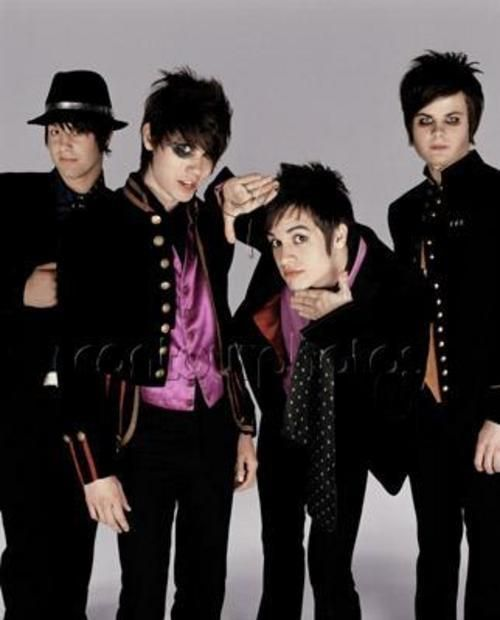 Panic! At the Disco, old school. (And yes, I very much approve the usage of guy-liner.)