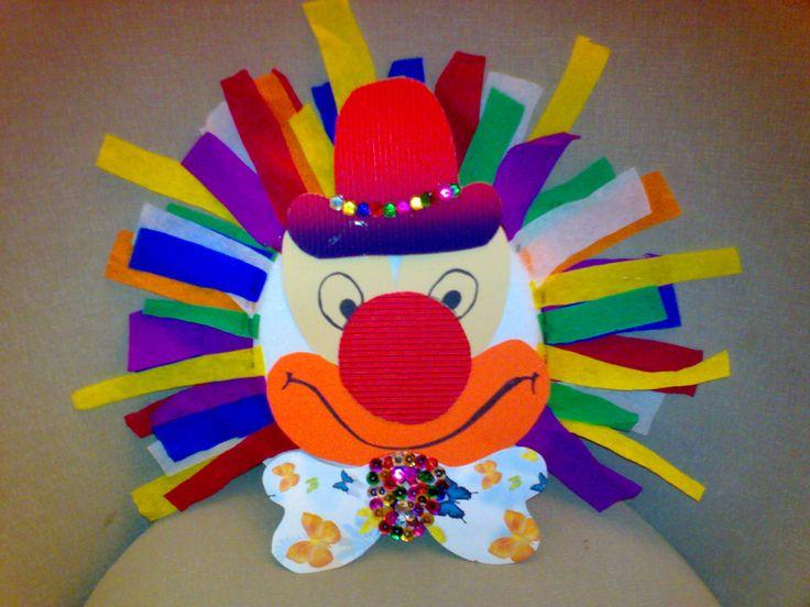 * Clown van een diep papieren bord!