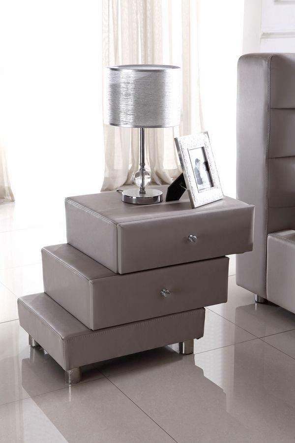Beautiful layered nightstand | www.bocadolobo.com #bocadolobo #luxuryfurniture #exclusivedesign #interiodesign #designideas #bedroomideas #nightstandsideas #modernnightstands