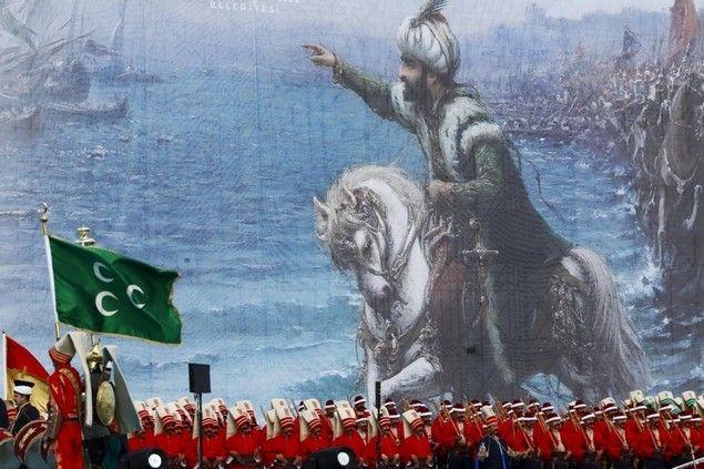 """Hari Ini Turki Peringati Penaklukan Konstantinopel  Hari ini 29 Mei 2016 tepat hari dimana pasukan Turki Utsmani menaklukan Konstantinopel. 29 Mei 1453 dipimpin Sultan Mehmed II (محمد ثانى) atau juga dikenal sebagai Muhammad """"Al-Fatih"""" (Sang Penakluk) pusat kekuasaan Byzantium itu akhirnya berhasil ditaklukan sekaligus pembuktian kebenaran Nubuwah Nabi Muhammad SAW. Kota Konstantinopel akan jatuh ke tangan Islam. Pemimpin yang menaklukkannya adalah sebaik-baik pemimpin dan pasukan yang…"""