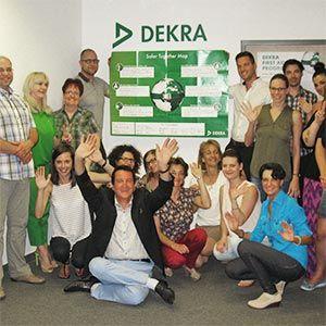 DEKRA Global Safety Day in Ungarn  Im Rahmen unseres ersten alljährlichen Global DEKRA Safety Day haben auch die Mitarbeiter der ungarischen DEKRA Akademie Kft. ihre Erfahrungen über die Unfallrisiken und über die Möglichkeiten, sie vorzubeugen, ausgetauscht. Der Global DEKRA Safety Day bietet eine Plattform um zu diskutieren, wie wir gemeinsam für ein sicheres Umfeld aller Mitarbeiter sorgen können...