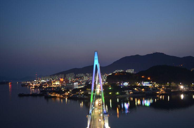 Dolsan Bridge at Night, Yeosu South Korea (돌산대교)
