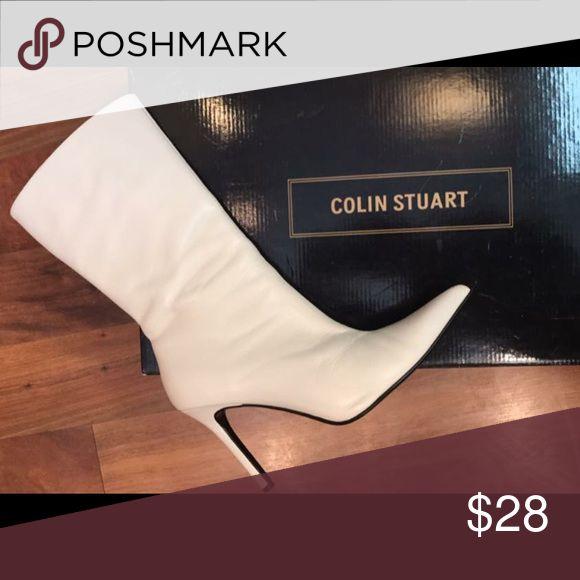 White boots Colin Stuart white winter boot size 6.5 excellent condition Colin Stuart Shoes Heeled Boots