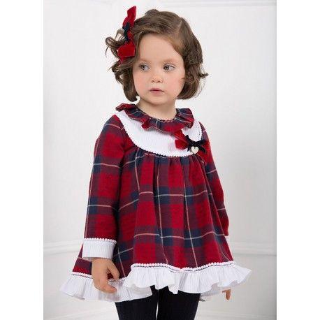 Qué monada! Vestido escocés rojo de la Marca Marta y Paula en Vestidos para Bebé. No te pierdas las colecciones más coquetas para ella de esta temporada  www.pepaonline.com