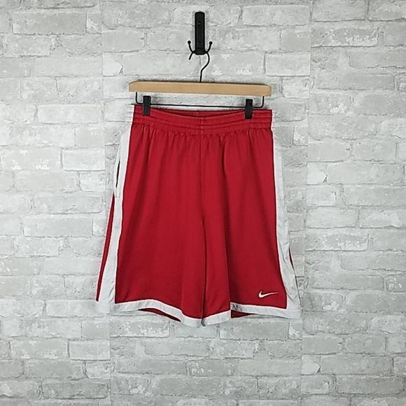 Mens Nike Basketball Shorts L Inspired By Memorable Uniforms From The 90s The Nike Throwback Shorts Revive Nike Basketball Shorts Nike Men Basketball Shorts