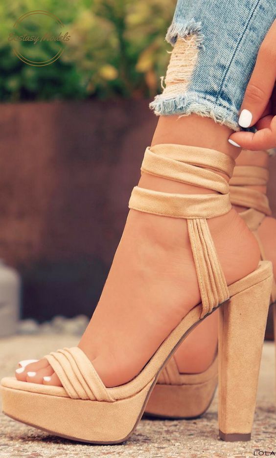 Add These Perfect Platforms To Your Collection NOW! // Heels From Lola Shoetique