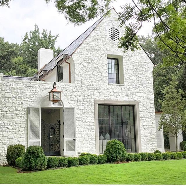 White Painted Stone Exterior Paulbatesarchitects Brick Exterior House Stone Exterior Houses Facade House