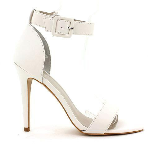 UNSPOKEN heel in white. #mybetsonBetts #BettsRaceDayReady #BettsShoes #shoes #heels