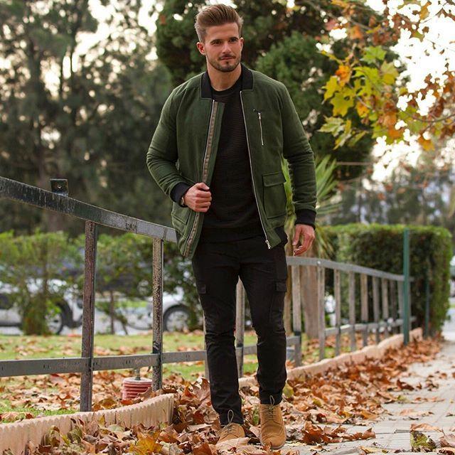 Fall colours . From head to toe wearing @thearcminute . Out to shopping, let's hope I can get all the Christmas gifts . Enjoy your Saturday . ———————————––––—–––—––————— Colores otoñales . De compras navideñas , esperemos que haya suerte y me quite los regalos de encima. . Look completo de #arcminute . Que tengáis un buen sábado . #autumn #outfit #look #christmas #happy
