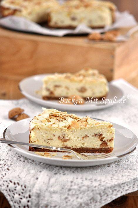 Ein sehr aromatischer Käsekuchen mit Amaretto- Likör und Amaretti. Der Kuchen ist lecker, schmeckt entsprechend intensiv nach Mandeln und hat einen Keksboden aus Amaretti.