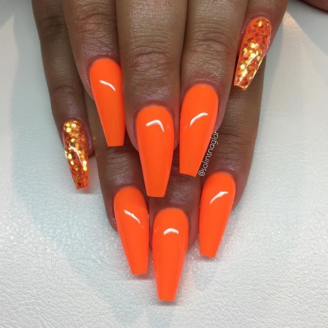 """Neon Orange"" med dots #lillynails"