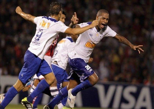 Cruzeiro empata en la visita al Sport y eleva a nueve su distancia del segundo
