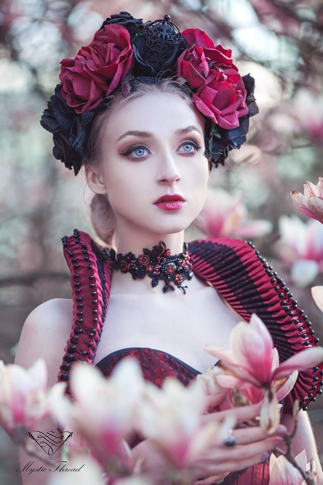 #Dark #red #elizabethan #costume #ruffle #neck #collar with #black #lace #details & #Preciosa #beads by #mysticthread / e-shop: www.mysticthread.com / Model, Photo, headpiece & necklace: #Absentia / assistant: Marcin Starzomski