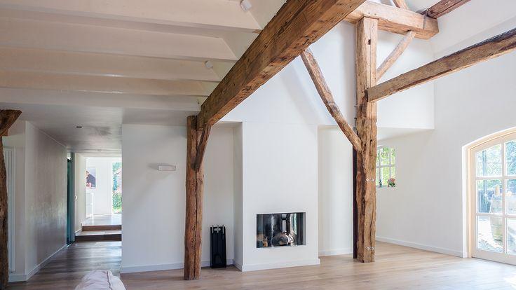 25 beste idee n over verhoogde slaapkamer op pinterest vloer bedden en kast redo - Redo houten trap ...
