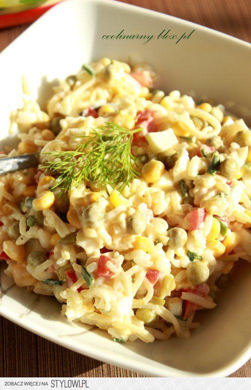 Sałatka ryżowa z selerem konserwowym Składniki: 100 g… na Stylowi.pl