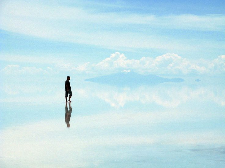 I think I need to visit here. Largest salt flat in the world is located in sw Bolivia referred to as Salar de Uyuni.