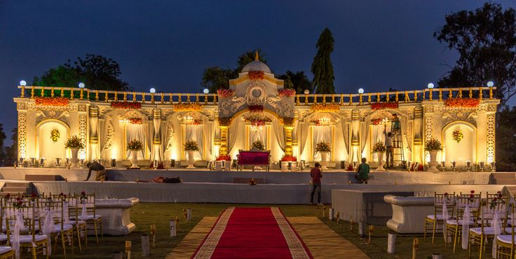 A walk to remember... <3 <3 #believehappenings #weddingsin udaipur #themeweddingsinudaipur #decor