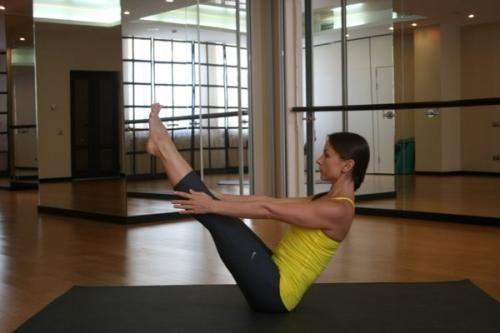 Мы предлагаем вам сделать себе красивый живот не в тренажерном зале, а на коврике для йоги! Йога позволит вашему телу расслабиться, обрести внутренний покой и в то же время улучшит работу организма, в...