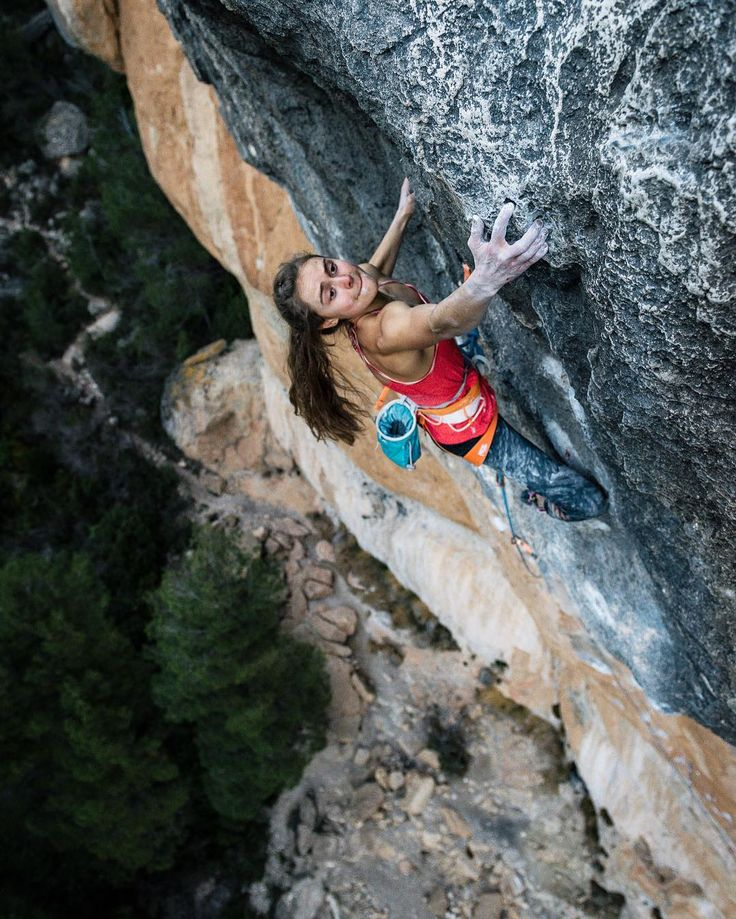 female extreme climber and - photo #12
