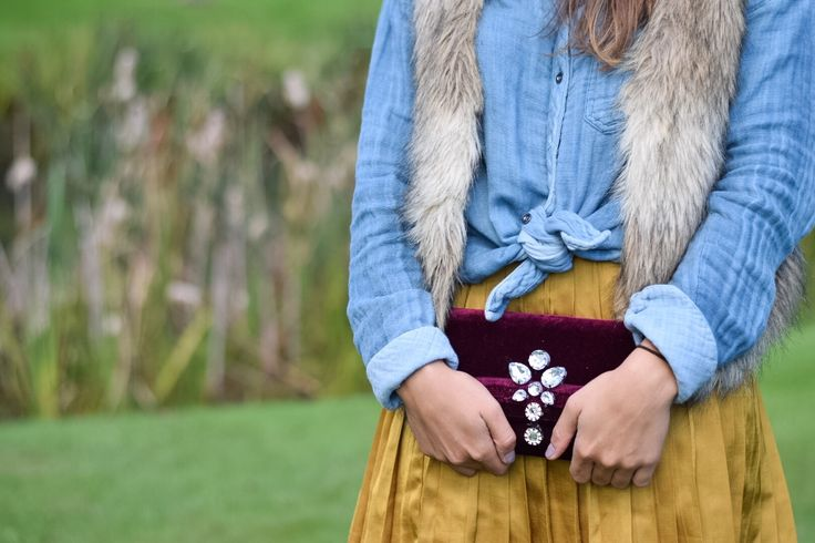 Velvet Clutch Tutorial - One CrafDIY Girl