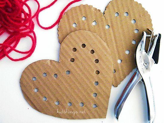 Cœurs de laçage en carton Craft de la Saint-Valentin