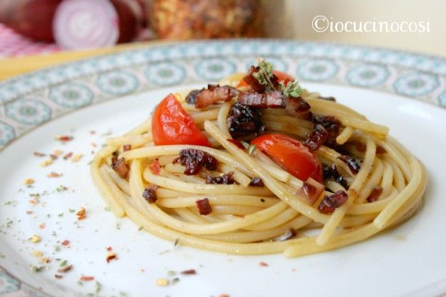 Spaghetti calabresi piccanti - Ricetta con cipolla di Tropea