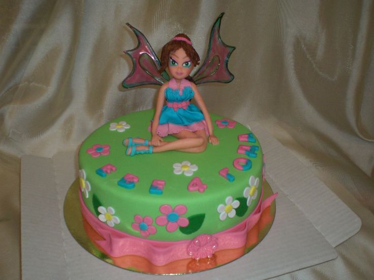 Kids cake with a doll Winx