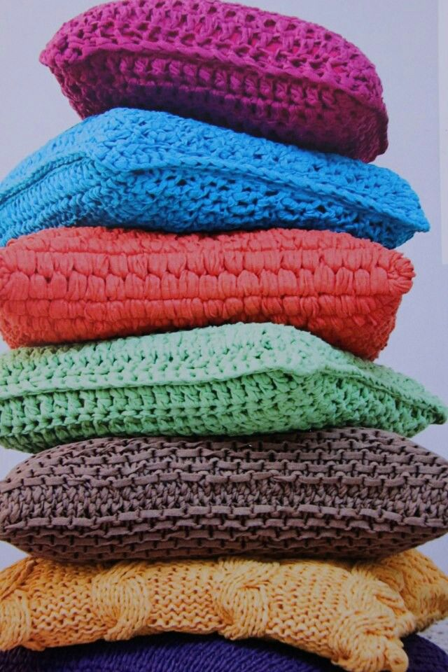 t-shirt yarn cushions. I love t-shirt yarn!! :)