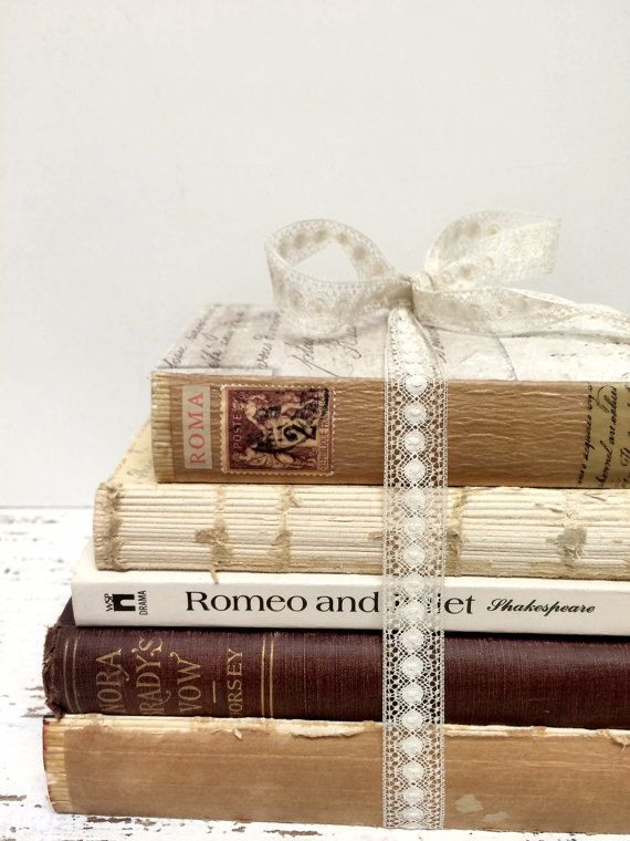 Romeo and Juliet Book Centerpiece Love Story by beachbabyblues
