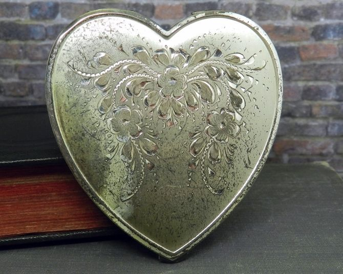 vintage heart shaped powder boxes   Vintage Lamode Sterling Silver Heart Shaped Powder Compact w Mirror ...