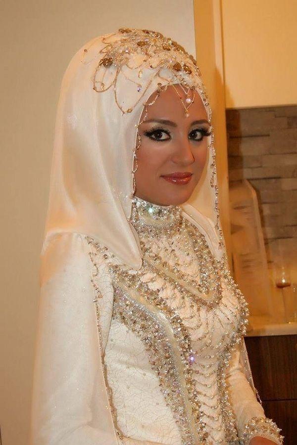 49bb5023e72bc20c2adf653181ca56cd 5 Stunning Muslim Wedding Dresses for 2017
