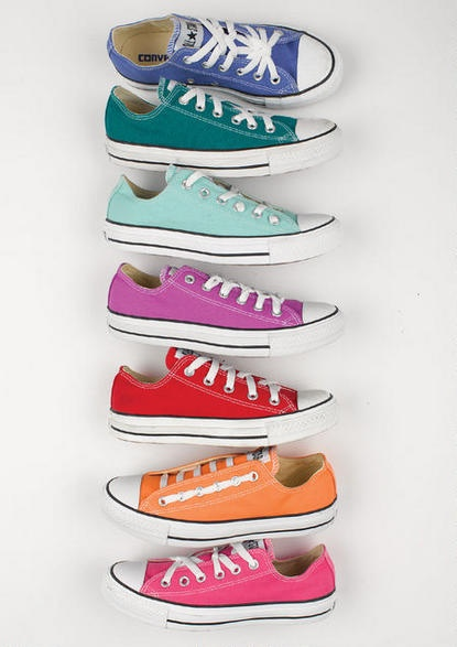 Converse Ox - love all the colors. Check out all the ways to thread the laces.