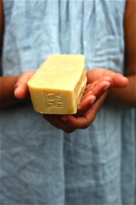100% natural soaps. www.histoiredunsavon.com/