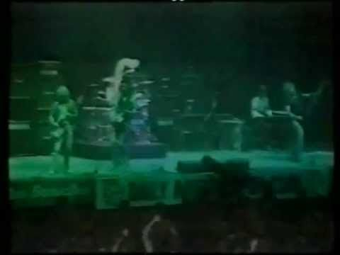 Status Quo - Stafford, Bingley Hall 1976 when I first saw Quo live on TV and I was hooked...