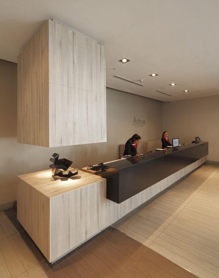 Masisa revestimiento y mobiliario en nuevo hotel atton for Hotel reception design