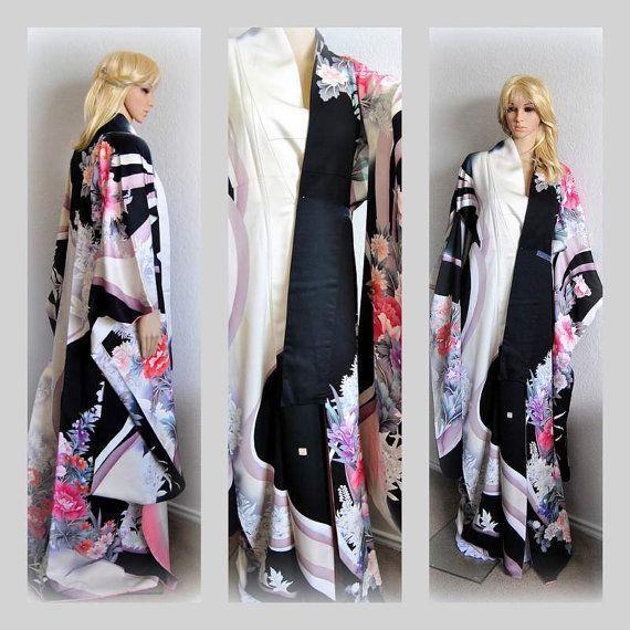 SALE 20%OFF Luxurious Japanese Kimono Robe Silk by EventOutlet
