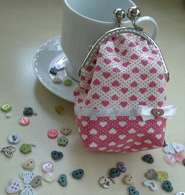 Little purse with pink heart