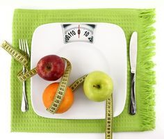 Uma boa estratégia para emagrecer e perder barriga é comer diariamente frutas que emagrecem, como morango, pêra e melancia porque estas frutas contém...
